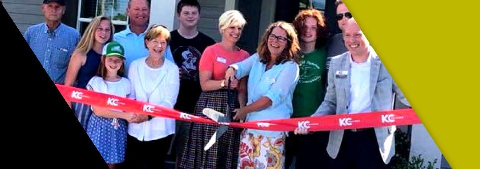 Lead Bank Kansas City community clients Prairie Elder Care at a ribbon cutting ceremony